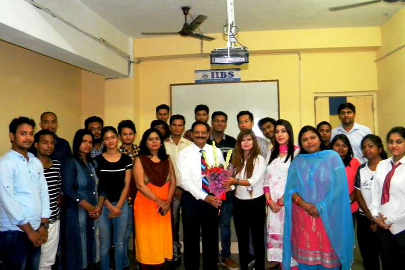 MOM Day 2: A Session on Discipline & Inspiration at IIBS Noida