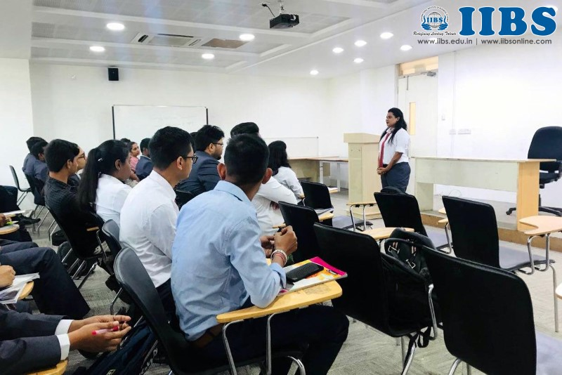 Alumni Guest Lecture on SWOT Analysis by Rubina Sheikh at IIBS Bangalore
