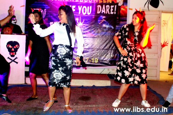 MBA Students Enjoy the Farewell Party at IIBS Kolkata Campus