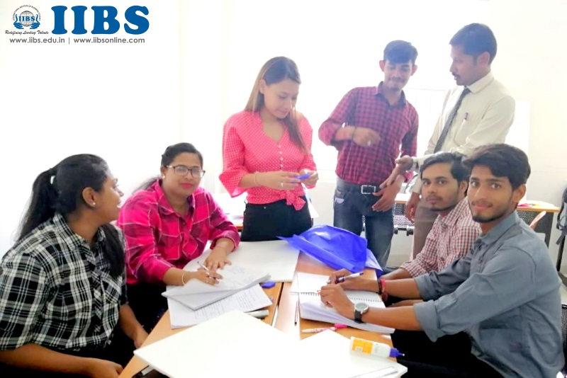 Build a Business Model Preparation by PGDM Student at IIBS | Solution Craft | MOM