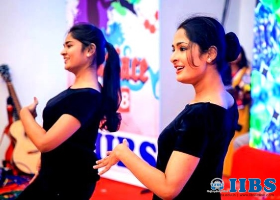 Vanitha Covergirl Contest Winner Anusha, IIBS PGDM Student