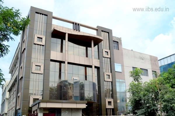 MBA College in Noida Lead you to a Good Career Change