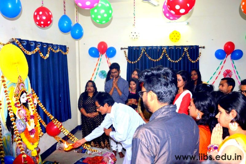 MBA Students Celebrates Saraswati Pooja at IIBS Kolkata