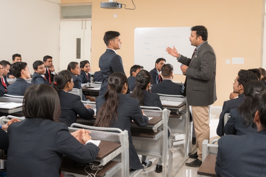 How IIBS' career guidance makes successful careers?