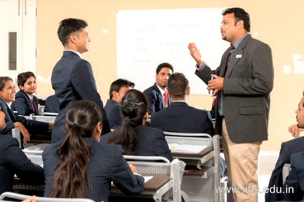 IIBS faculty and its role in building future managers