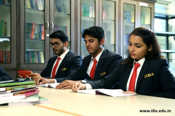 MBA curriculum and its advantages
