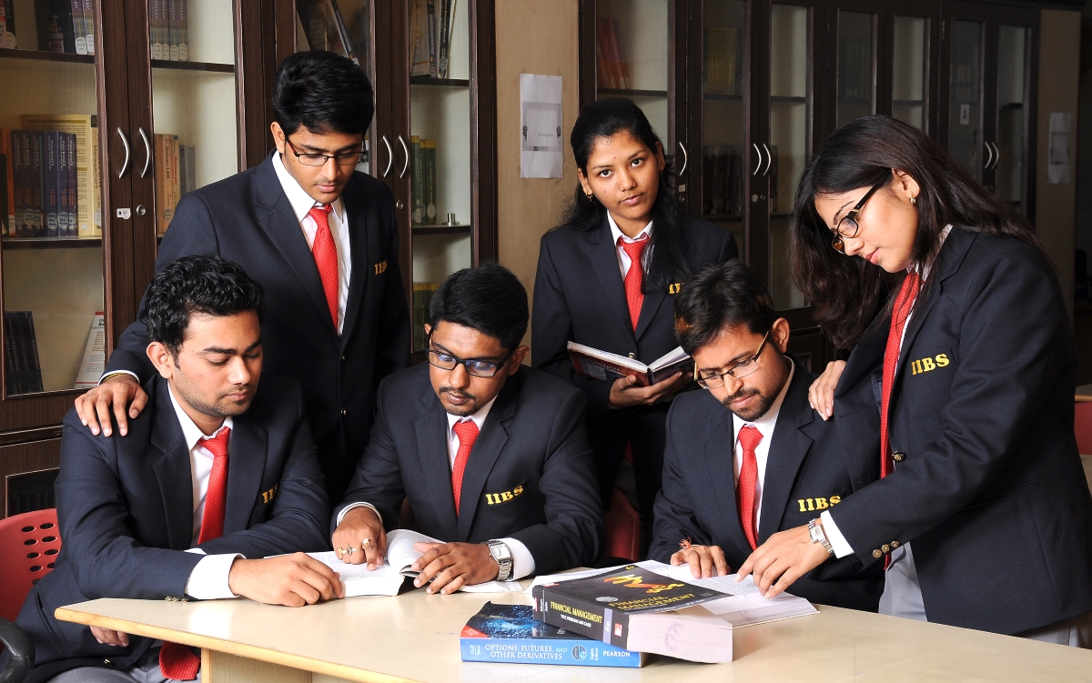 Why Regular MBA is superior to distance learning