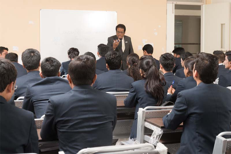Why choose management college in Bangalore